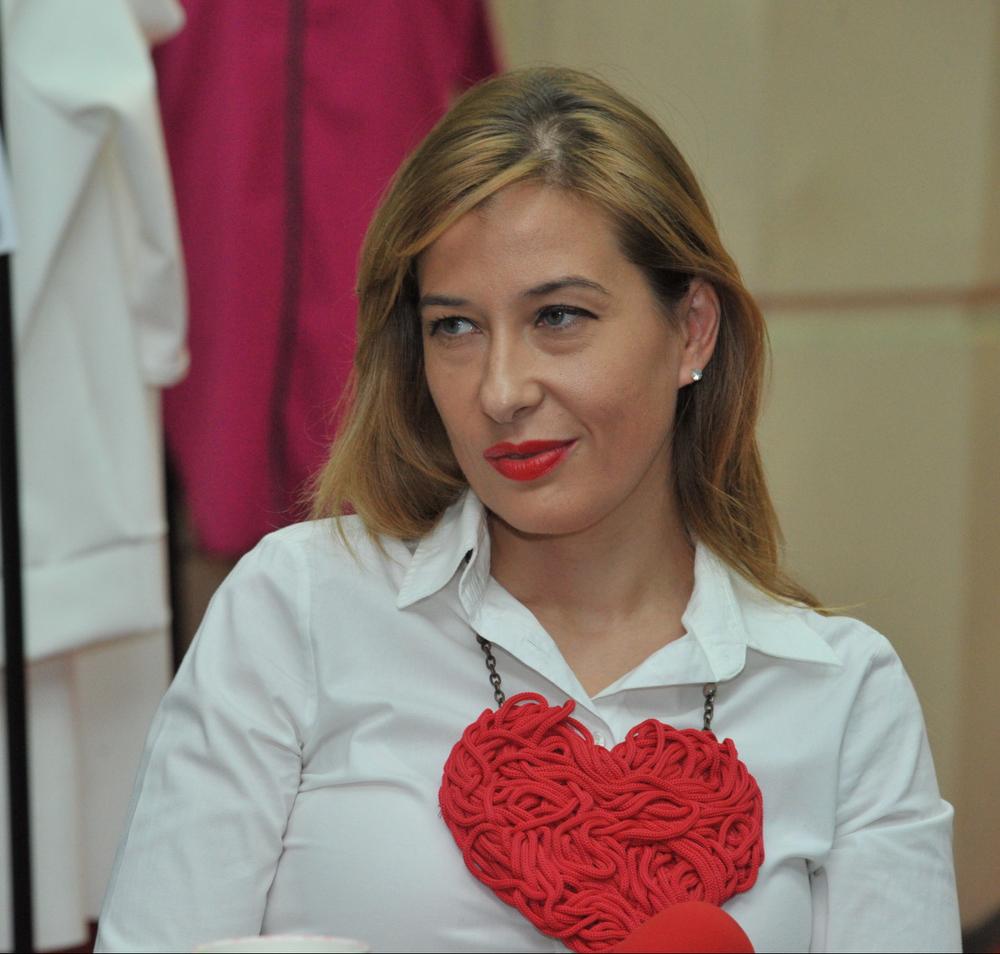 Raluca Kisescu; Foto Paul Buciuta / Revista Tango - Marea Dragoste