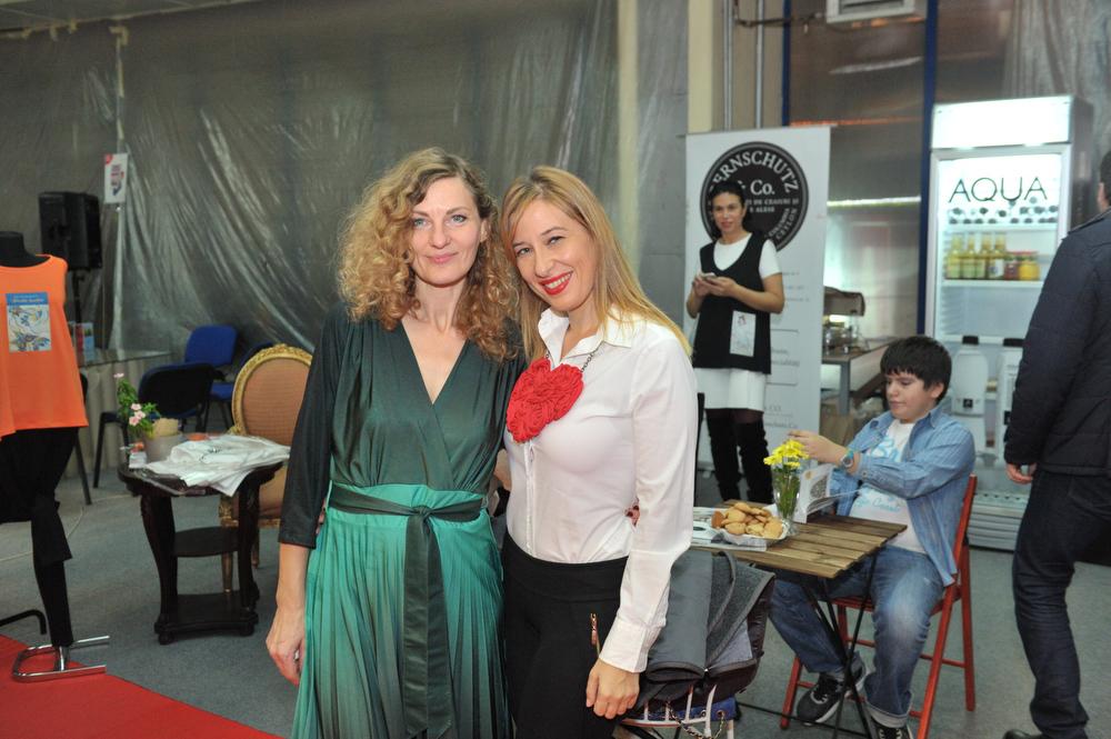Corina Bernschutz si Raluca Kisescu; Foto Paul Buciuta