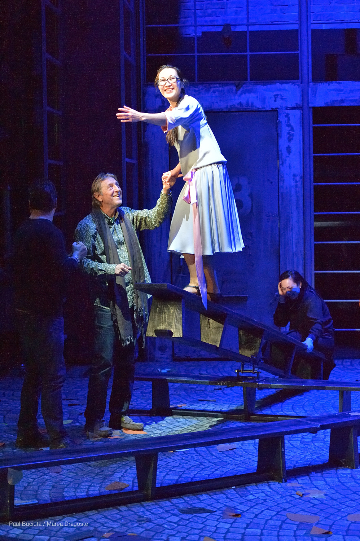 Opera Lucia di Lammermoor de Gaetano Donizetti în regia lui Andrei Șerban pe scena Operei Naționale București.